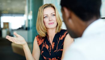 Master Body Language To Manage Your Salon Team